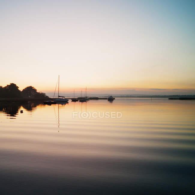 Coucher de soleil sur le port de Lough Derg — Photo de stock