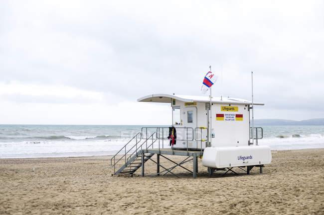 Lifeguard tower on Bournemouth beach, Bournemouth, Dorset, UK — Stock Photo