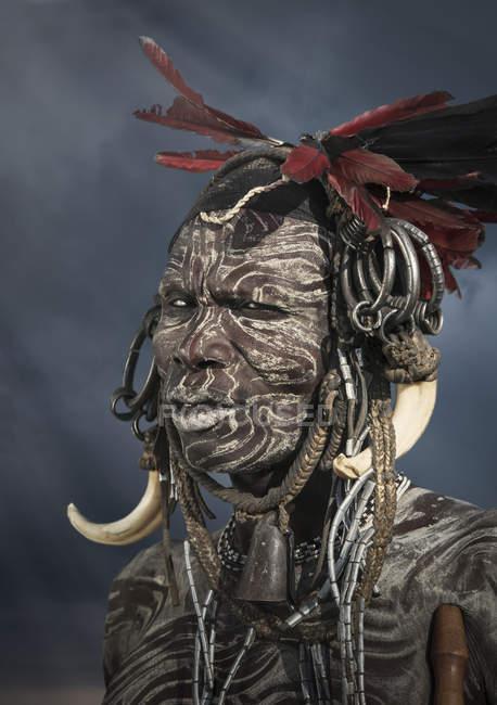 Uomo della tribù Mursi, Valle dell'Omo, Etiopia — Foto stock
