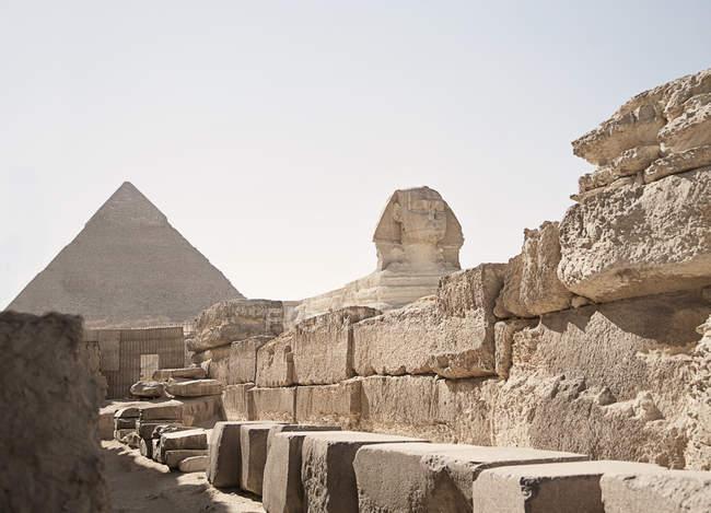 Die Sphinx und die Pyramiden von Gizeh, Ägypten, Nordafrika — Stockfoto