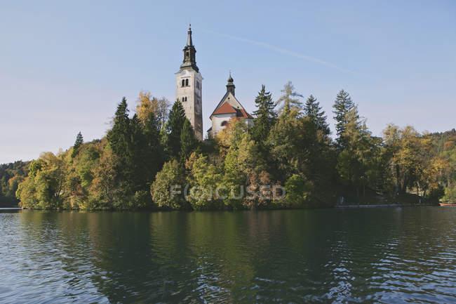 Chiesa sull'isola di Bled — Foto stock