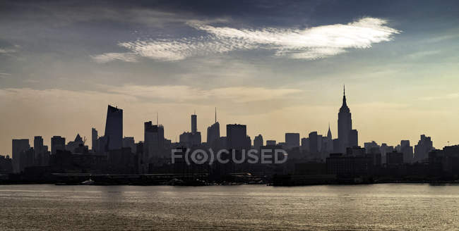 Вид на скайлайн, Хобокен, Нью-Джерси, США — стоковое фото