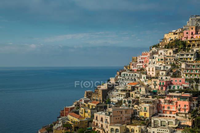 Häuser am Hang bei Positano — Stockfoto