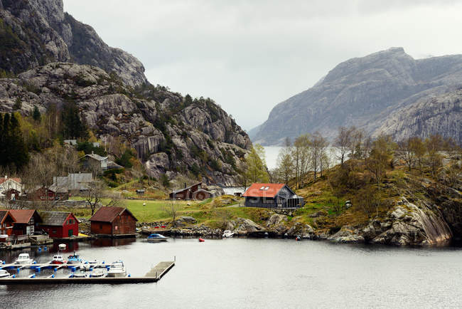 Village and harbor, Lysefjord, Rogaland County, Noruega — Fotografia de Stock