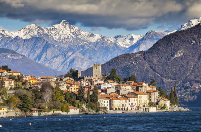 Вид на гори і озеро Комо, Італія — стокове фото