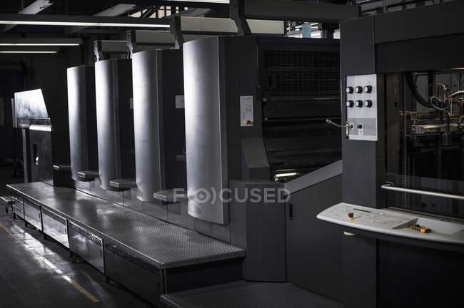 Oi equipamento de tecnologia de impressão na oficina de impressão — Fotografia de Stock