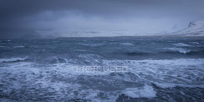 Tempestade de inverno no mar, Olafsvik, Snaefellsnes, Islândia — Fotografia de Stock