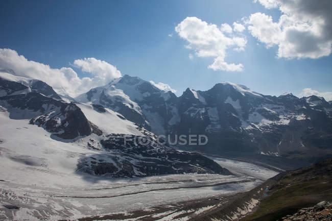 Snowy rural mountains — Stock Photo