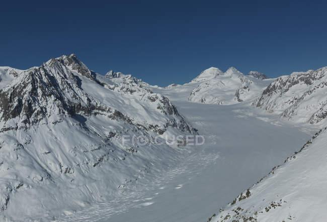 Elevated view of Aletsch glacier in Swiss Alps, Berner Oberland, Switzerland — Stock Photo
