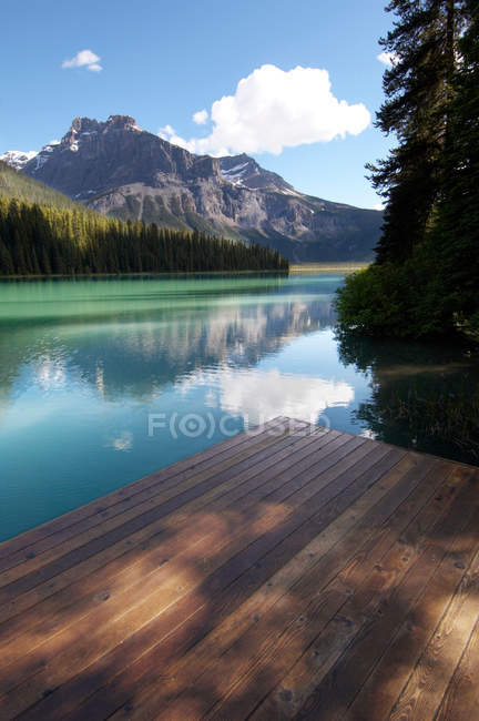 Emerald Lake, Rocky Mountains — Stock Photo