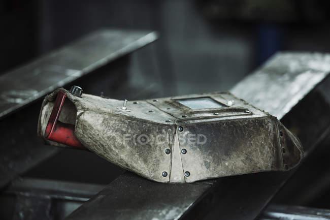 Welding iron visor on a metal pipe — Stock Photo
