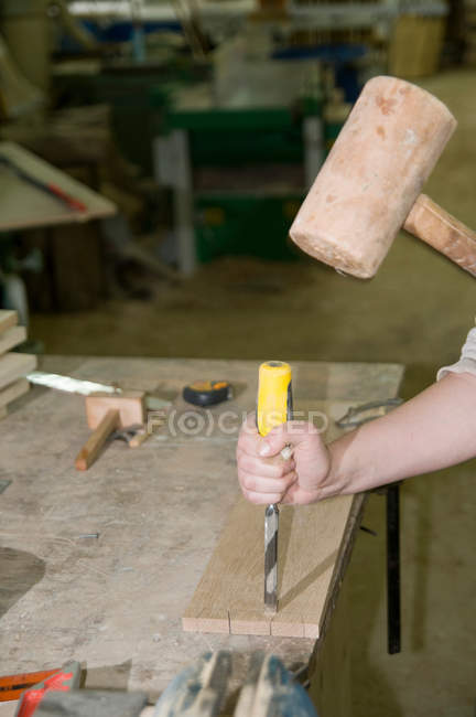 Female carpenter at work — Stock Photo