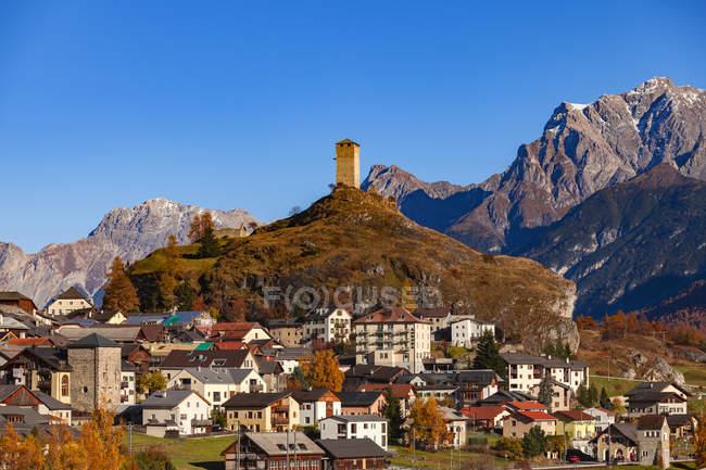 Scenic view of Ardez buildings in sunlight, Switzerland — Stock Photo