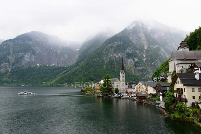 Beobachtenden Blick der Hallstätter See, Hallstatt, Salzkammergut, Österreich — Stockfoto