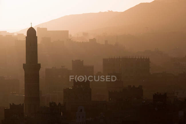 Rooftops of Old Town Sanaa - foto de stock