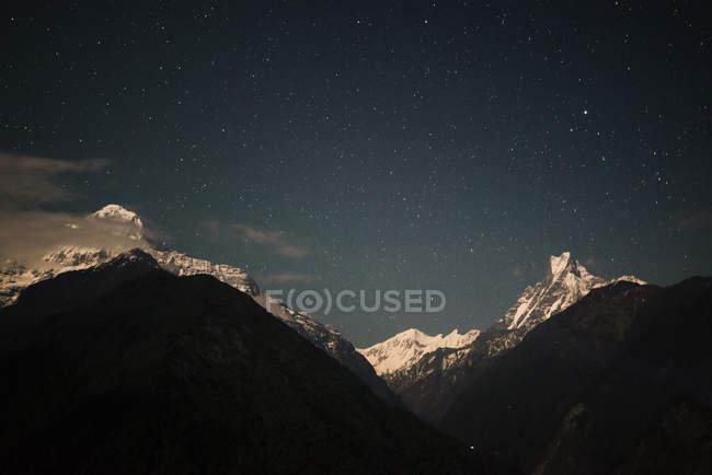 Zona villaggio di Chomrong, vista della montagna Machapuchare, trek Abc, Annapurna Base Camp trek, Nepal — Foto stock