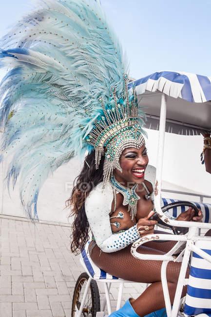 Samba dancer riding cart, Rio De Janeiro, Brazil — Stock Photo
