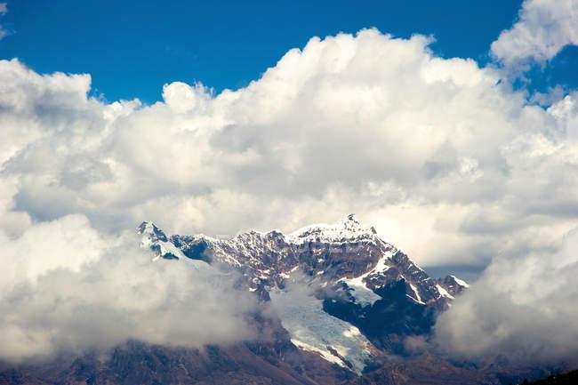 Вид на snowcap на Masl перевале — стоковое фото