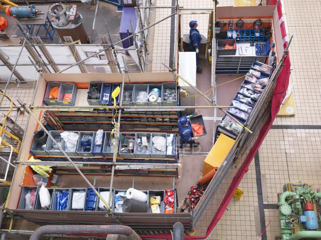 Вид зверху магазинів і частин площа під час відключення електростанції — стокове фото