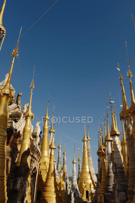 Large group of Shwe Indein pagoda spires, Nyaung Shwe, Inle Lake, Burma — Stock Photo