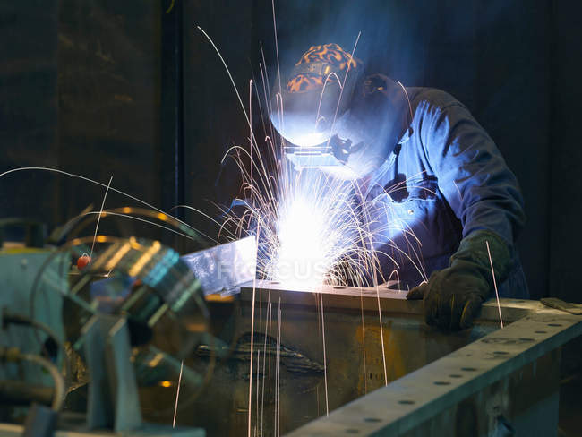 Engineer Welding at plant — Stock Photo