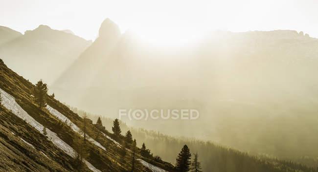 Piste montagneuse, Valparola, Alta Badia Tyrol du Sud, Italie — Photo de stock