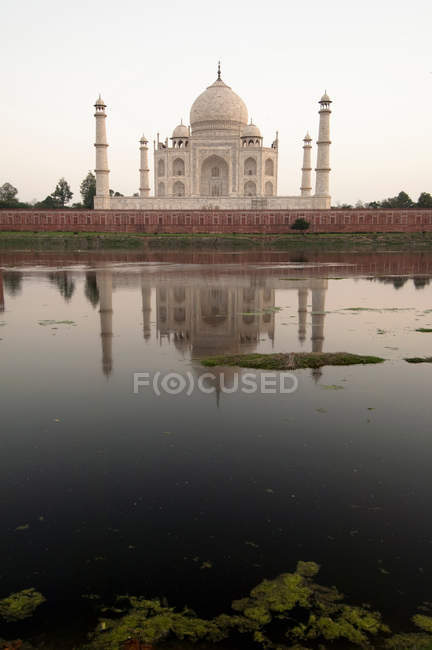 Distant view of Taj Mahal, a UNESCO World Heritage Site, at Agra, India — Stock Photo