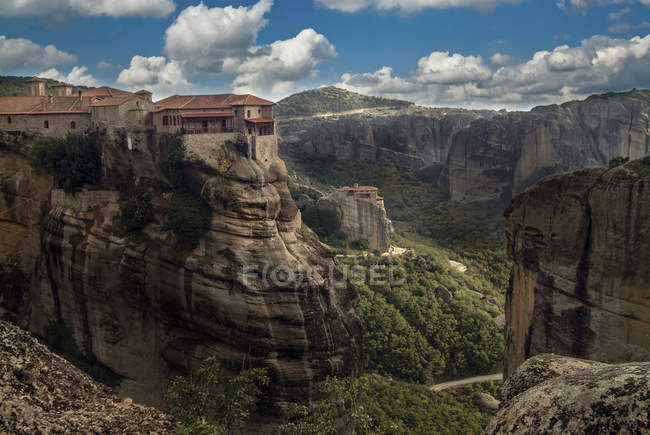Elevated landscape view of Roussanou Monastery on top of rock formation, Meteora, Thassaly, Greece — Stock Photo