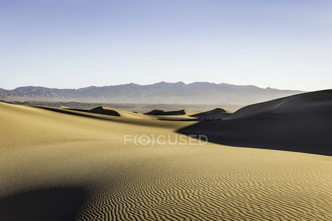 Rippled Mesquite Flat Sand Dunes in Death Valley National Park, California, USA — Stock Photo