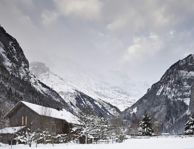 Holzchalet, Schilthorn, Mürren, Berner Oberland, Schweiz — Stockfoto