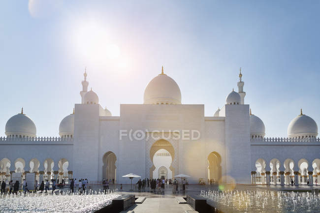 Sheikh Zayed Mosque at daytime, Abu Dhabi, United Arab Emirates — Stock Photo