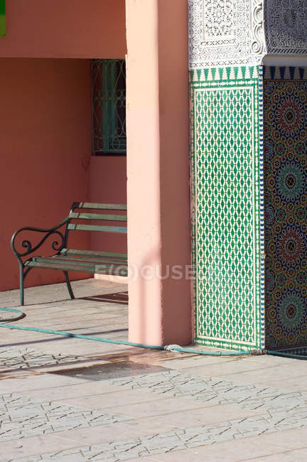 View of bench near house, Marrakech, Morocco — Stock Photo