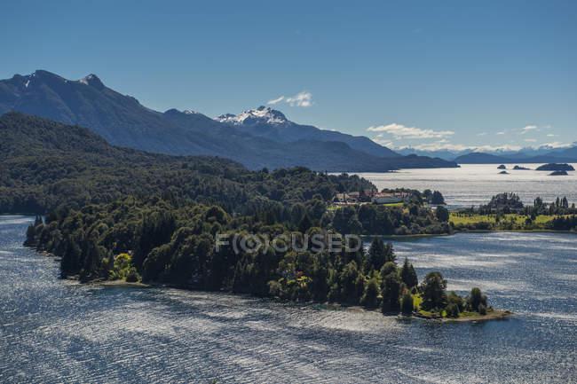 Vista do Lago Nahuel Huapi e o Parque Nacional, Bariloche, província de Rio Negro, Patagônia, Argentina — Fotografia de Stock