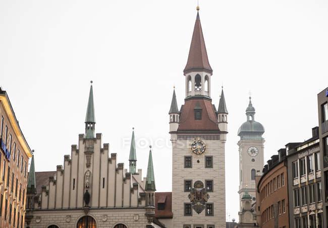 Teilansicht alter traditioneller Gebäude, München, Deutschland — Stockfoto