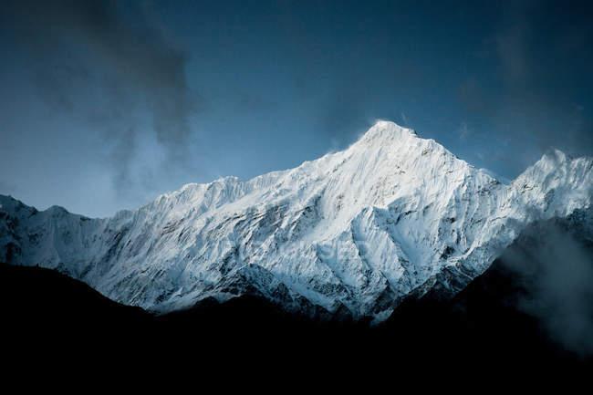 Гималайские горы в Непале — стоковое фото