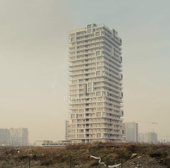 Строительство высотных квартир — стоковое фото