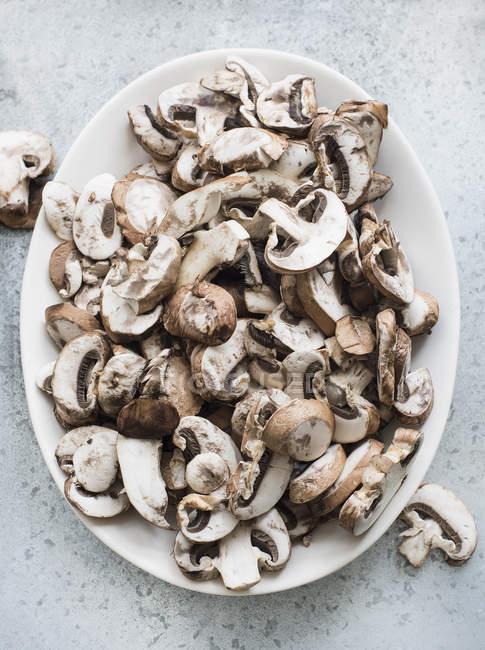 Fresh sliced mushrooms — Stock Photo