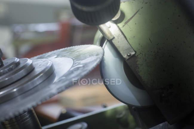Lama rotante e rettificatrice — Foto stock