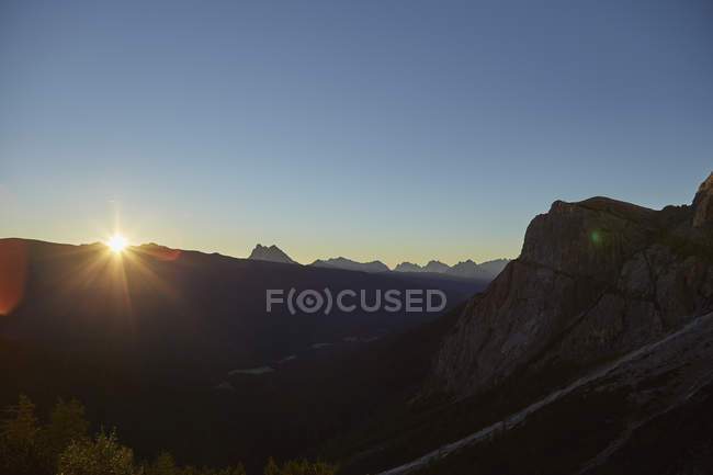 Majestic landscape with mountains at sunrise, south tyrol, italy — Stock Photo