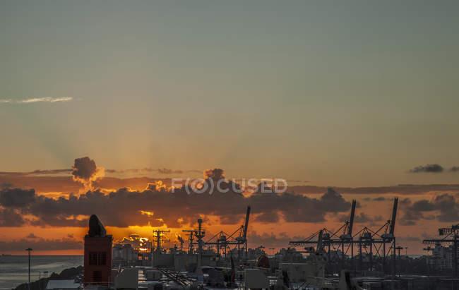 Vista elevata di tramonto sopra il porto di Miami, Florida, Stati Uniti — Foto stock