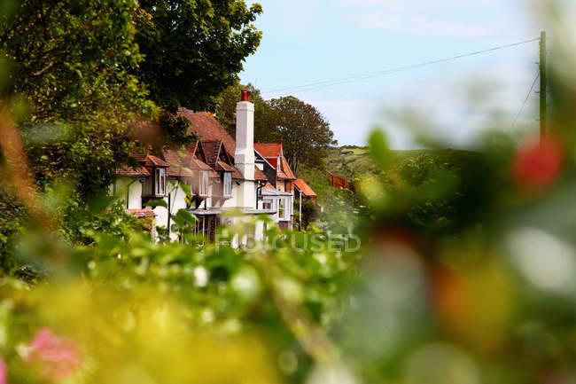 Vista panorâmica das casas, na paisagem rural — Fotografia de Stock