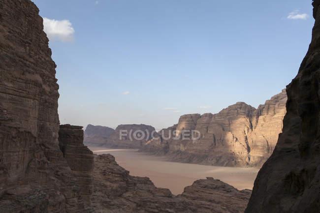 Высокий вид на Вади-Рам, Иордания — стоковое фото