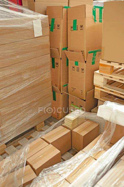 View of Cardboard boxes in warehouse — Stock Photo