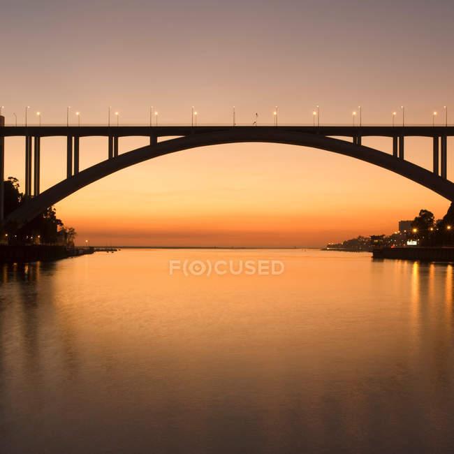 Ponte Arrabida (Ponte da Arrabida) sul fiume Douro in Portogallo — Foto stock