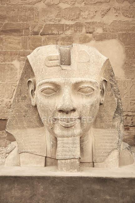 Statue de Ramsès Ii, Temple de Karnak, Egypte — Photo de stock