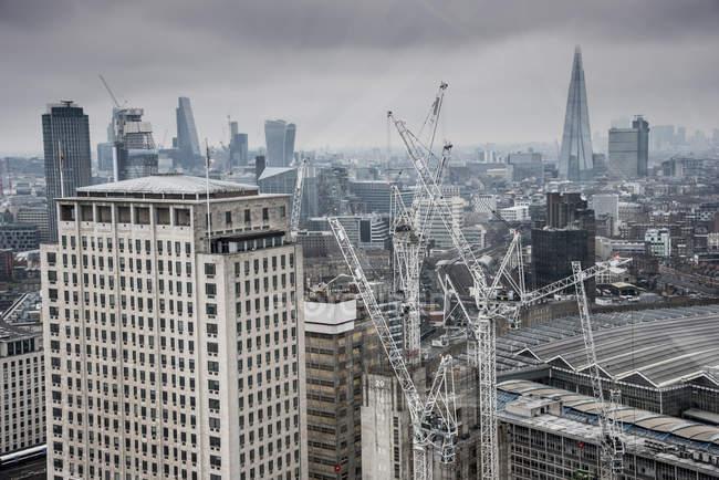 Осколки на заднем плане, Лондон, Англия — стоковое фото