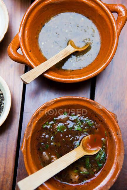 Блюда соус сальса — стоковое фото