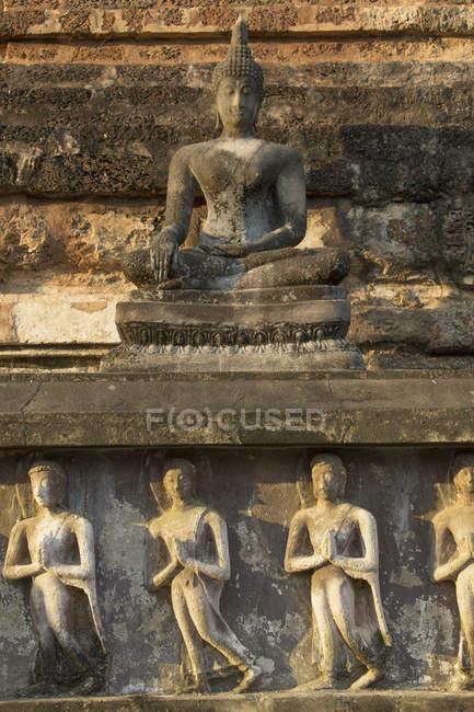 Statua del Buddha al Parco storico di Sukhothai, Sukhothai, Thailandia — Foto stock