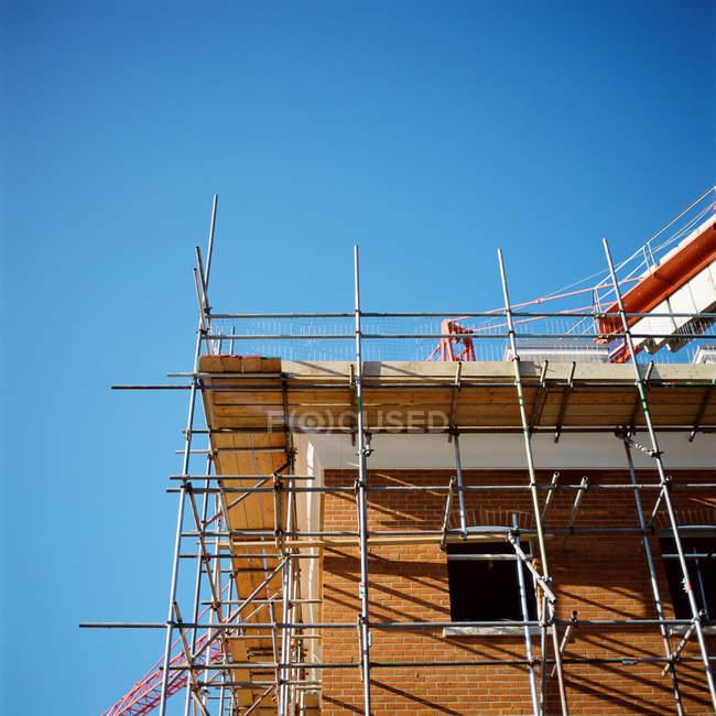Будівельний майданчик з ясне блакитне небо — стокове фото
