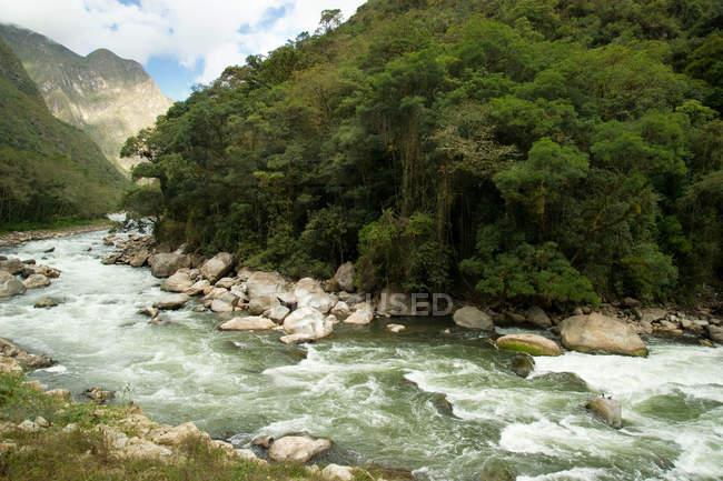 Посмотреть на реке из Агуас Кальентес — стоковое фото